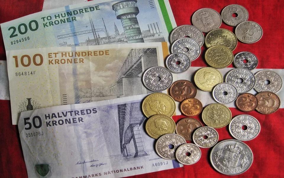 Pengegaver til konfirmation i 2021 – Skal man betale skat?